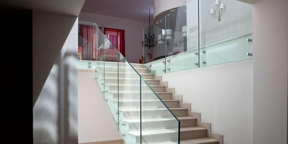 Insieme lampadari tessuto colorati for Interni abitazioni moderne