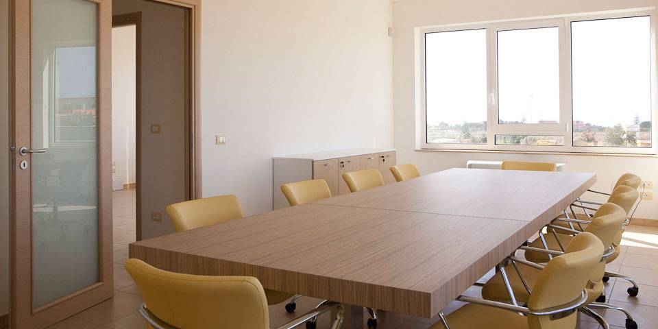 Industrial and Commercial buildings: meeting room