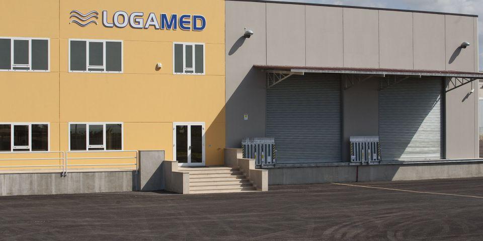 Realizzazione capannone e uffici per logamed s r l home for Piani di capannone per uffici esterni